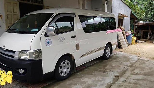 Bán xe Toyota Hiace, Sx và đăng ký cuối 2008, màu trắng, máy dầu, đi được 50000km