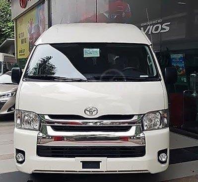 Bán xe Toyota Hiace 3.0 MT sản xuất năm 2019, màu trắng, xe nhập, giá chỉ 999 triệu