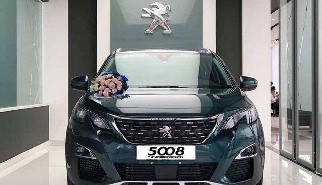 Đặt ngay 5008 để nhận ưu đãi khủng tháng 5 nhân dịp Peugeot 5008 cán mốc doanh số 5000 chiếc