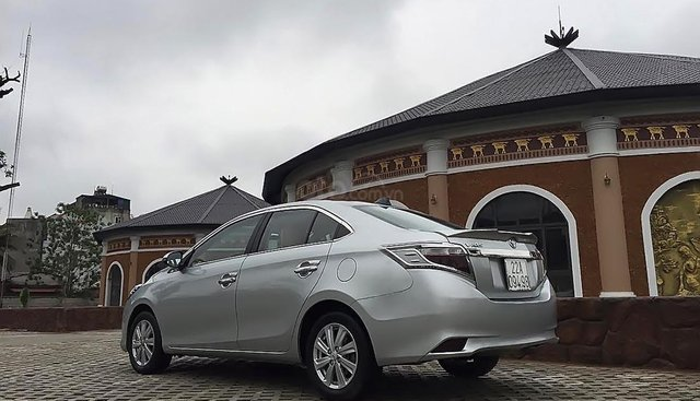 Bán Toyota Vios E sản xuất năm 2015, màu bạc chính chủ