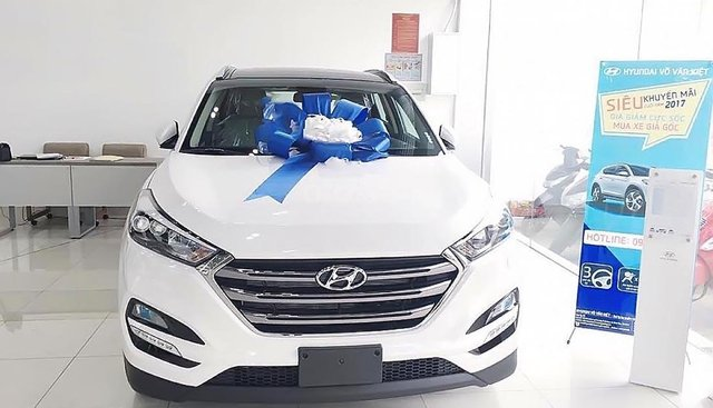 Bán Hyundai Tucson 2.0 AT CRDi đời 2018, màu trắng, giá cạnh tranh
