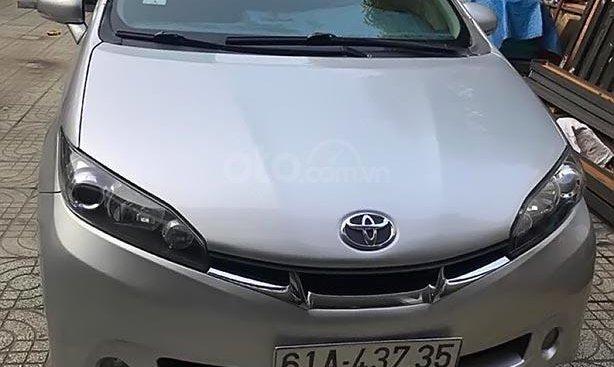 Bán xe Toyota Wish 2.0 sản xuất 2011, màu bạc, nhập khẩu