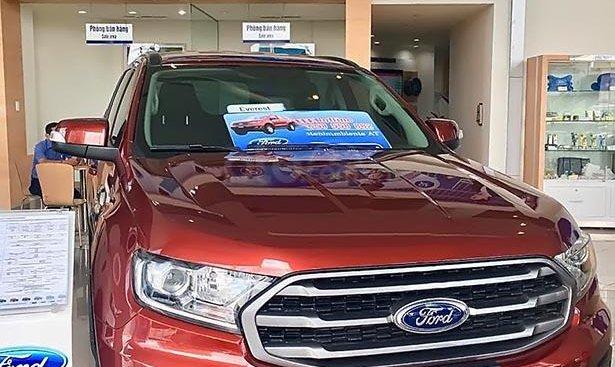 Cần bán xe Ford Everest Ambiente 2.0 4x2 AT đời 2019, màu đỏ, nhập khẩu