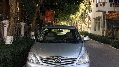 Bán Toyota Innova MT đời 2011, màu bạc, xe còn mới, 420tr
