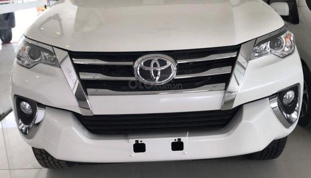Bán Toyota Fortuner 2.7 AT 2019, màu trắng, xe nhập