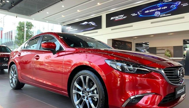 Bán Mazda 6 2.0 đời 2019, màu đỏ
