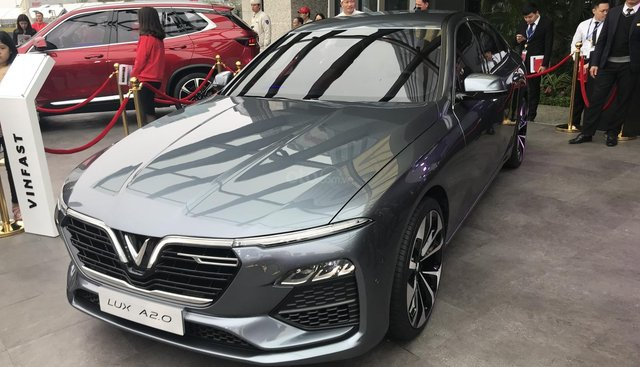 Bán xe VinFast LUX A2.0 Tiêu chuẩn năm 2019, màu xám (ghi)