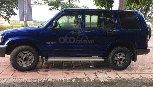 Bán ô tô Isuzu Trooper sản xuất 2002, màu xanh lam, nhập khẩu, giá 100tr