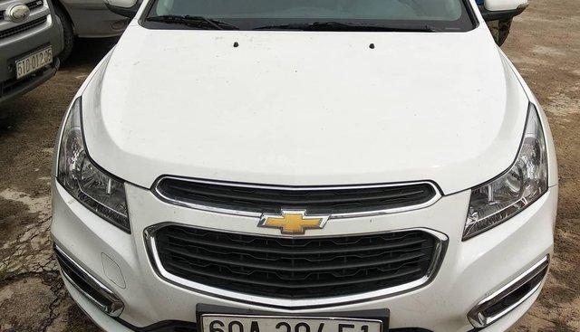 Bán xe Chevrolet Cruze LT 2017, màu trắng