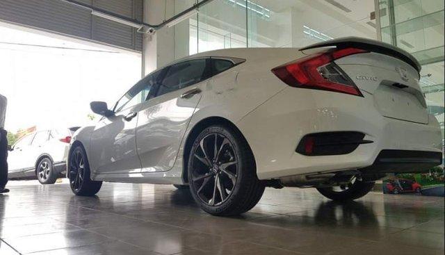 Bán xe Honda Civic sản xuất 2019, màu trắng, nhập khẩu nguyên chiếc