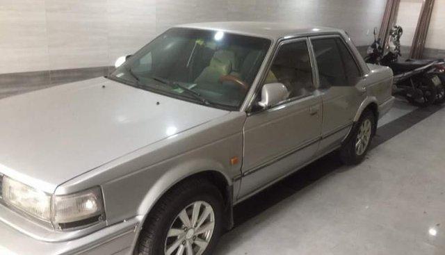 Bán xe Nissan Bluebird đời 1990, màu bạc, nhập khẩu nguyên chiếc chính chủ