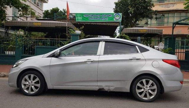 Bán xe Hyundai Accent đời 2012, màu bạc