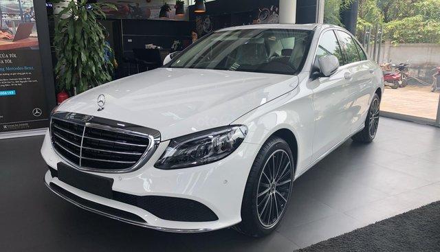 Bán Mercedes C200 Exclusive 2019 đủ màu, vay 90%, giao xe ngay - LH 0912523362