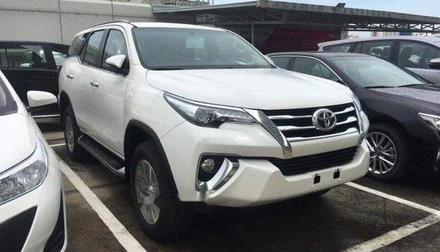 Bán Toyota Fortuner năm sản xuất 2019, màu trắng, xe nhập
