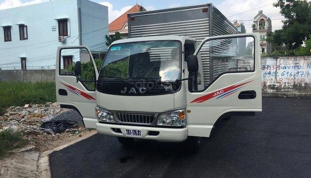 Cần bán xe tải JAC năm sản xuất 2019, thùng lửng màu xanh