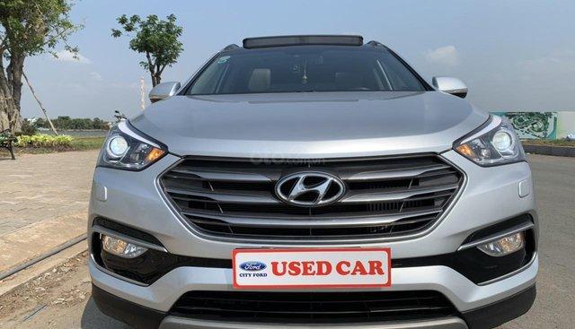 Bán Hyundai Santa Fe 2.2 máy dầu bản Full hai cầu sản xuất 2017, màu bạc
