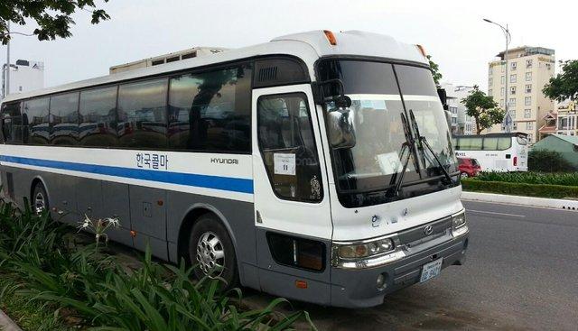 Cần bán Hyundai Space máy cơ, màu xám, biển số Lào