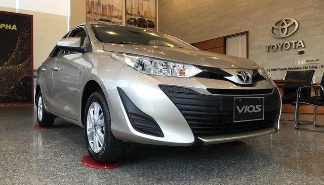 Toyota Vios 2019 giảm 35tr tiền mặt, tặng bộ DVD, camera de và bọc ghế, thanh toán 180tr nhận xe ngay