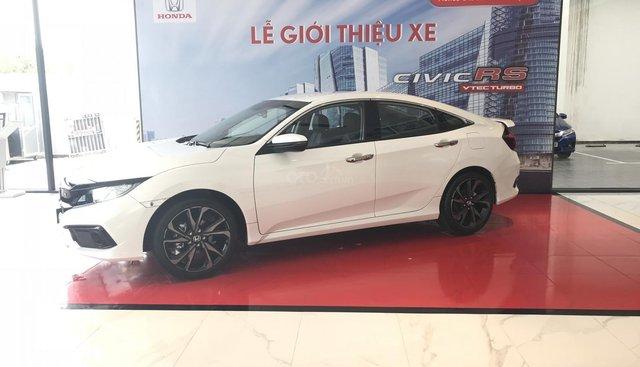 Honda Civic RS 2019_ Đủ màu giao ngay, tặng ngay: Bảo hiểm, tiền mặt, gói phụ kiện cao cấp. LH 0933.683.056