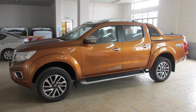 Bán ô tô Nissan Navara VL 2019, màu cam, nhập khẩu