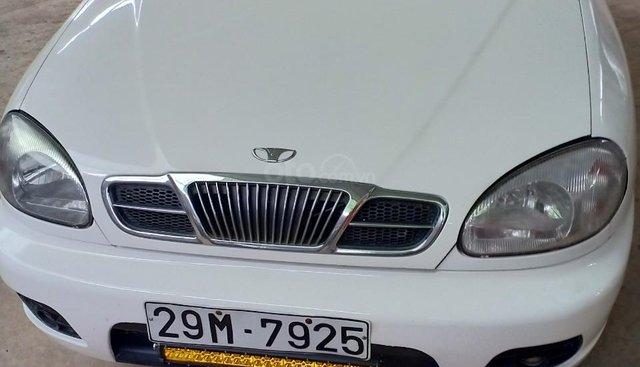 Cần bán lại xe Daewoo Lanos sản xuất năm 2001, màu trắng, giá chỉ 105 triệu