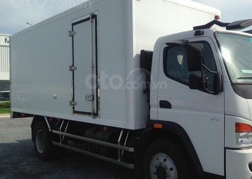 Bán Fuso FI đời 2016 thùng kín bảo ôn, màu trắng, nhập khẩu nguyên chiếc