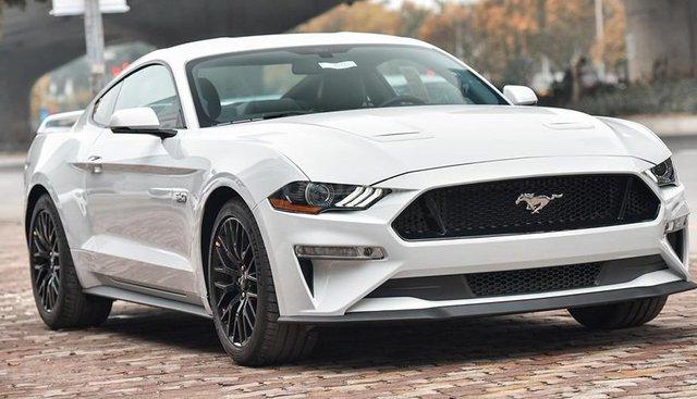 Ford Mustang GT 5.0 Premium 2019 duy nhất 1 xe có sẵn và giao ngay, giá tốt nhất thị trường. Liên hệ: 0868 93 5995