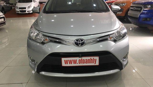 Cần bán Toyota Vios 2018, màu bạc
