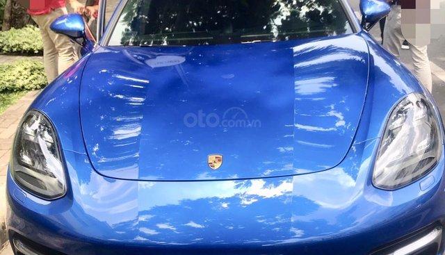 Cần bán gấp Porsche Panamera đăng ký 2017, màu xanh lam, nhập khẩu