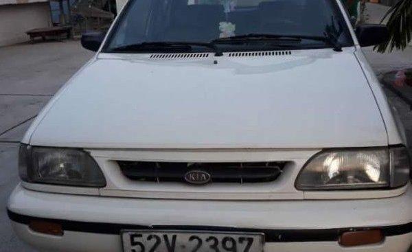 Cần bán gấp Kia CD5 1.3AT đời 2002, màu trắng, xe đi 80000km