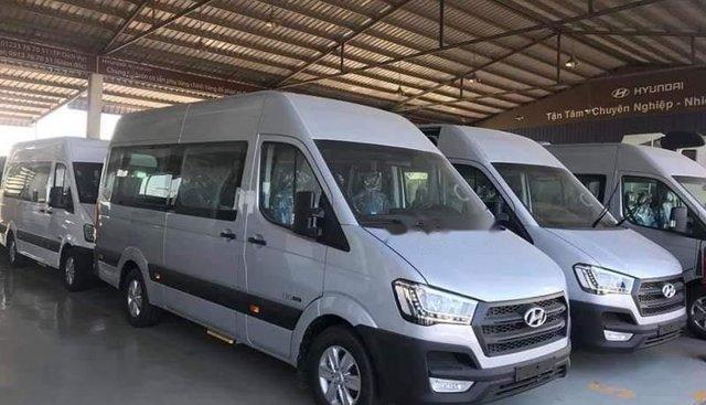 Bán Hyundai Solati đời 2019, màu bạc, nhập khẩu