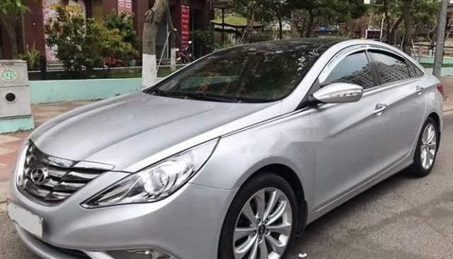 Bán Hyundai Sonata AT 2.0 2012, đăng ký 3/2012, một đời chủ, còn nguyên giấy tờ catalog lúc mua