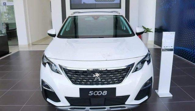 Bán xe Peugeot 5008 đời 2019, màu trắng, giá tốt