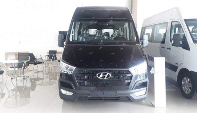 Bán Hyundai Solati H350 2018, màu đen, nhập khẩu