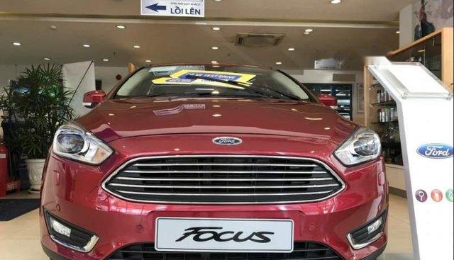 Bán Ford Focus Titanium 2019, màu đỏ, giá chỉ 725 triệu