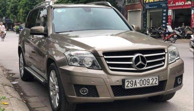 Bán Mercedes GLK300 năm 2011, màu vàng, chính chủ, giá chỉ 688 triệu