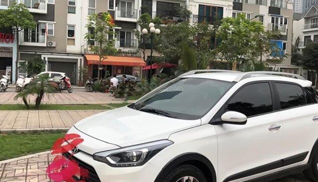 Bán Hyundai i20 Active 1.4 AT đời 2016, màu trắng, xe nhập chính chủ, giá chỉ 535 triệu