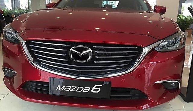 Cần bán xe Mazda 6 2.0L Premium năm sản xuất 2018, màu đỏ, giá 907tr