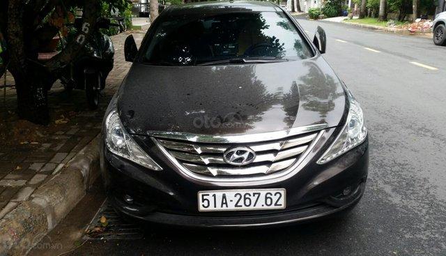 Chính chủ cần bán Hyundai Sonata sản xuất năm 2012, màu nâu, nhập khẩu