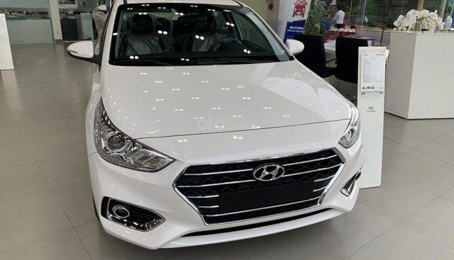 Hyundai Accent mẫu 2019 có hóc gió sau - Tặng full phụ kiện. LH 0934 79 39 69