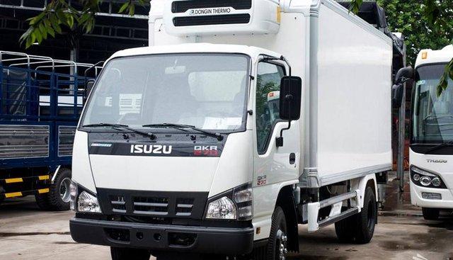 Bán xe tải Isuzu 2,4 tấn thùng mui bạt dài 3m6, đời 2019