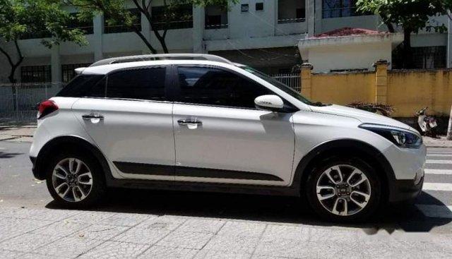 Bán ô tô Hyundai i20 Active đời 2016, màu trắng, nhập khẩu