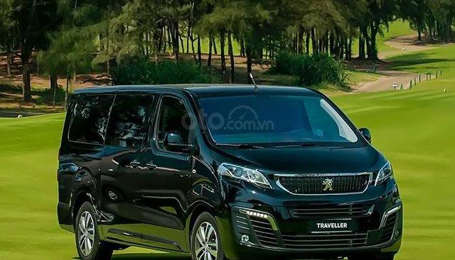 Bán ô tô Peugeot Traveller Luxury sản xuất năm 2019, màu xanh