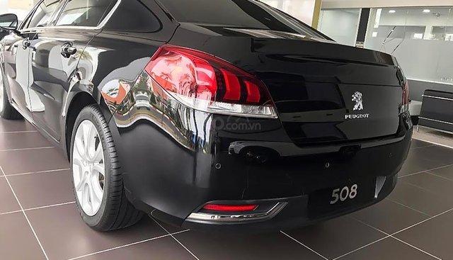 Bán xe Peugeot 308 năm 2019, màu đen sang trọng