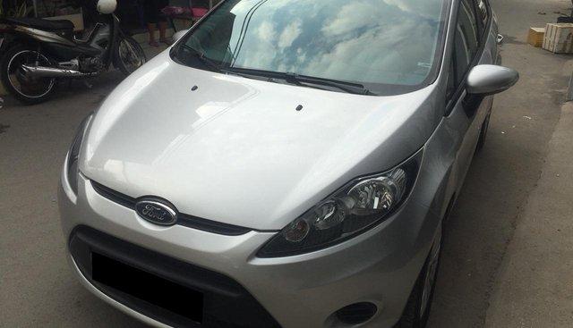 Bán Ford Fiesta 2012 tự động, màu bạc, xe đi kỹ như mới