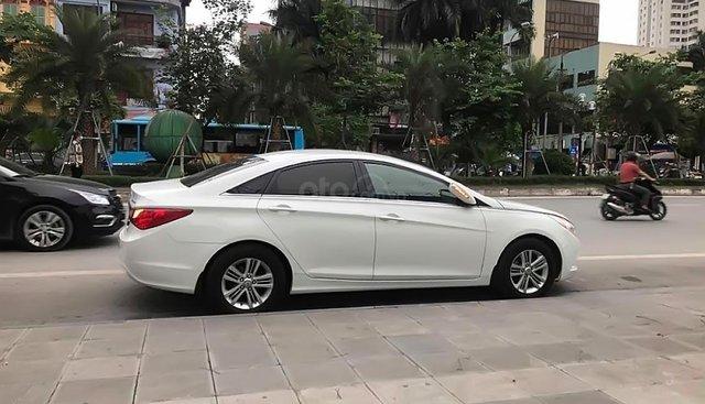 Bán Hyundai Sonata đời 2010, màu trắng, nhập khẩu chính chủ
