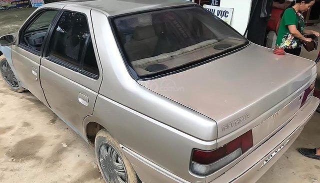 Bán xe Peugeot 405 1.9 MT trước sản xuất 1990, nhập khẩu, xe thân vỏ còn rất đẹp, nội thất đẹp