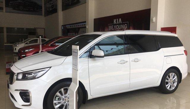 Sedona Platinum D trắng-duy nhất lô mới ưu đãi tiền mặt + tặng luôn bảo hiểm thân xe