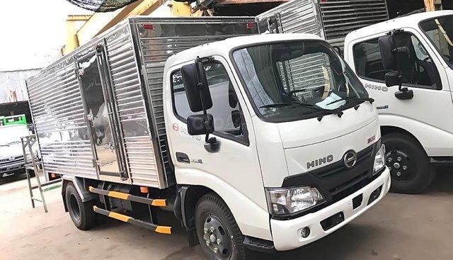 Cần thanh lý xe Hino 1.9 tấn hiệu XZU650L, đời 2017, mới 100% chưa qua sử dụng