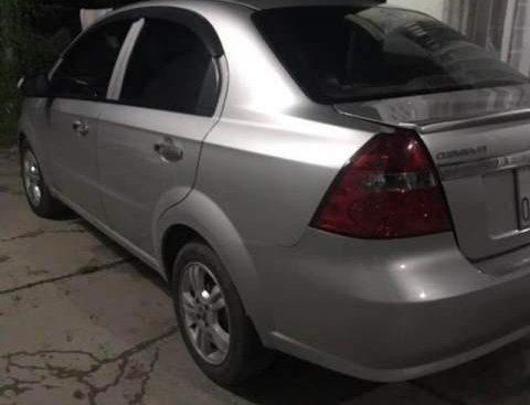 Bán Chevrolet Aveo đời 2015, màu bạc, xe đẹp